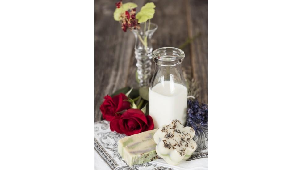 Savon au lait de chèvre Biquette Fleurie